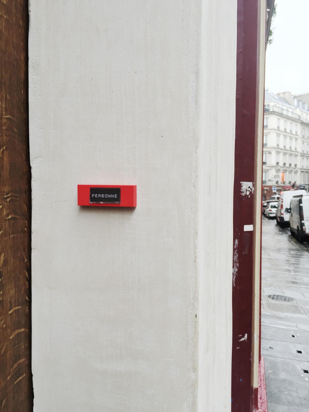 Personne - Paris 9ème arrondissement - 2014 - Le Sonneur