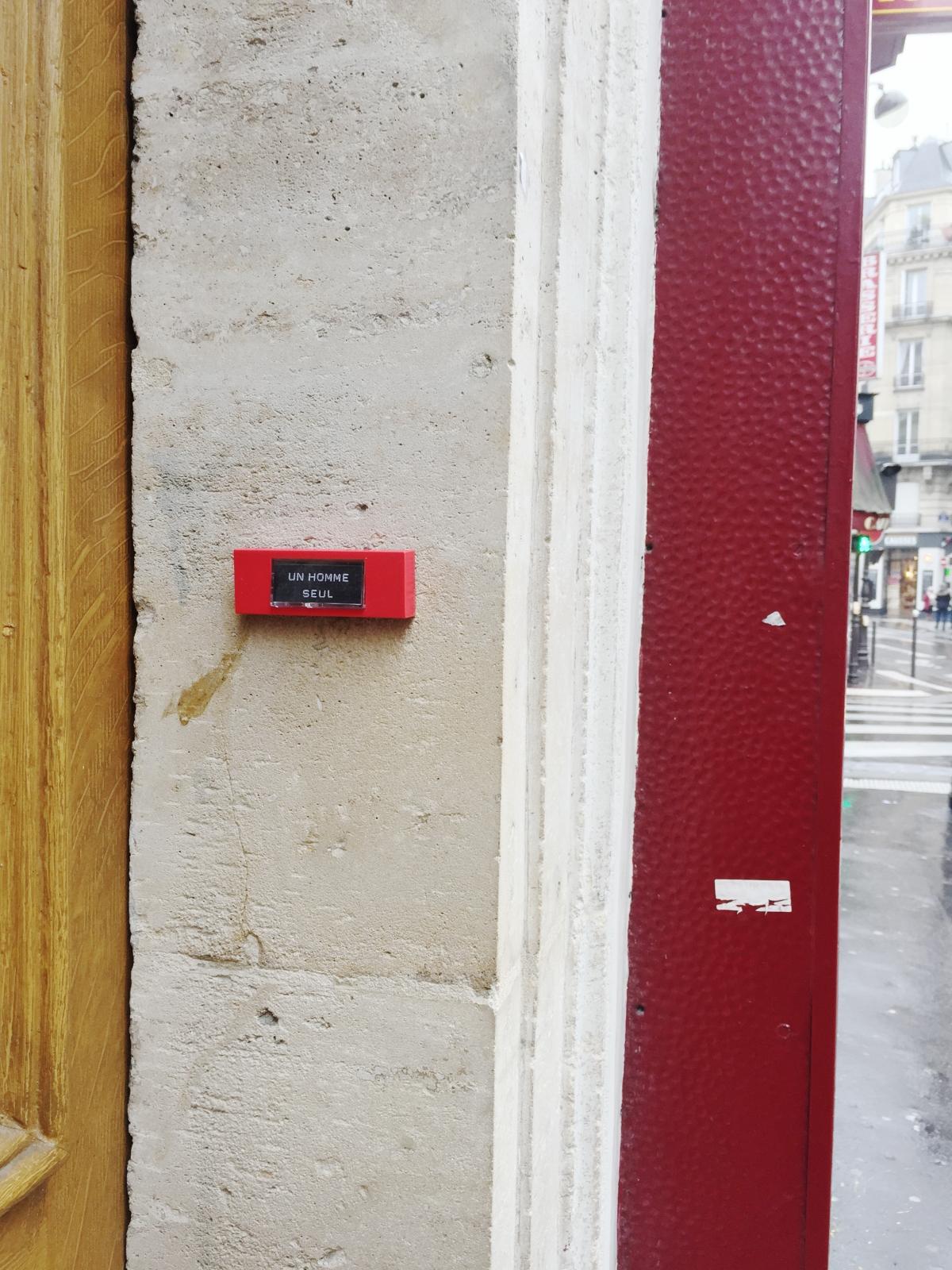 Unhomme seul- Paris 9ème arrondissement - 2014 - Le Sonneur
