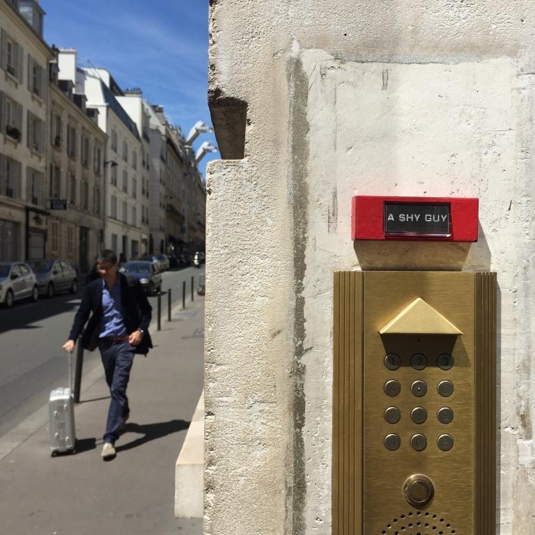 A shy guy - Paris 10 ème arrondissement  - 2015 - Le Sonneur