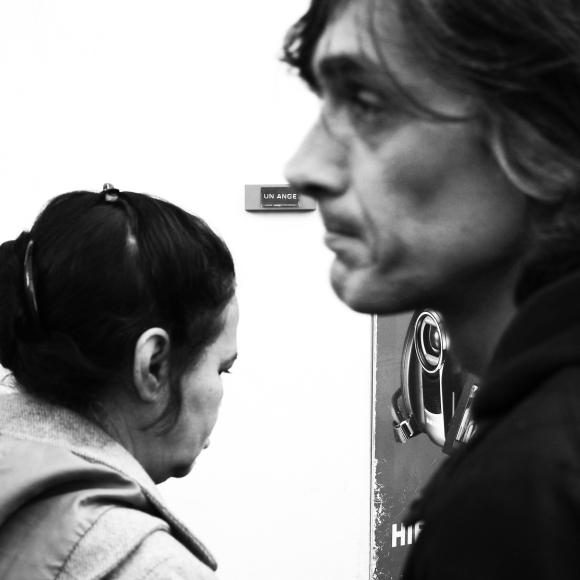 """Paris, the day after """"Un ange"""" - Rue Crussol Paris 11ème arrondissement - 15.11.15 - Le Sonneur"""