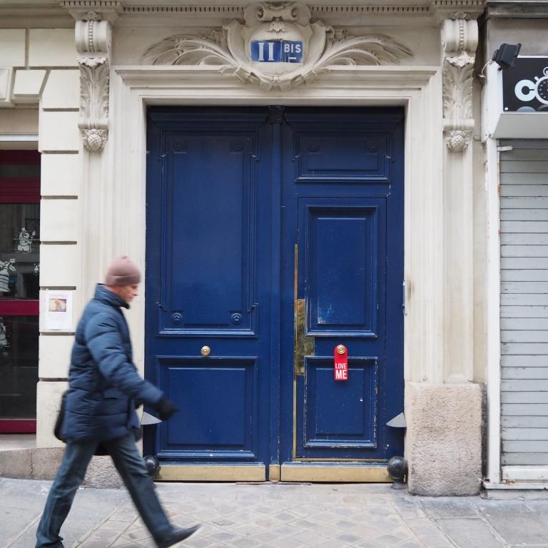 Door hanger « Love me » – Paris – 2016 – Le Sonneur