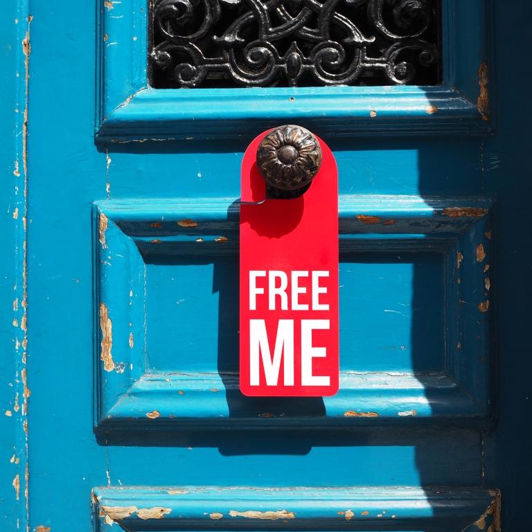Door hanger « Free me » – Paris – 2016 – Le Sonneur