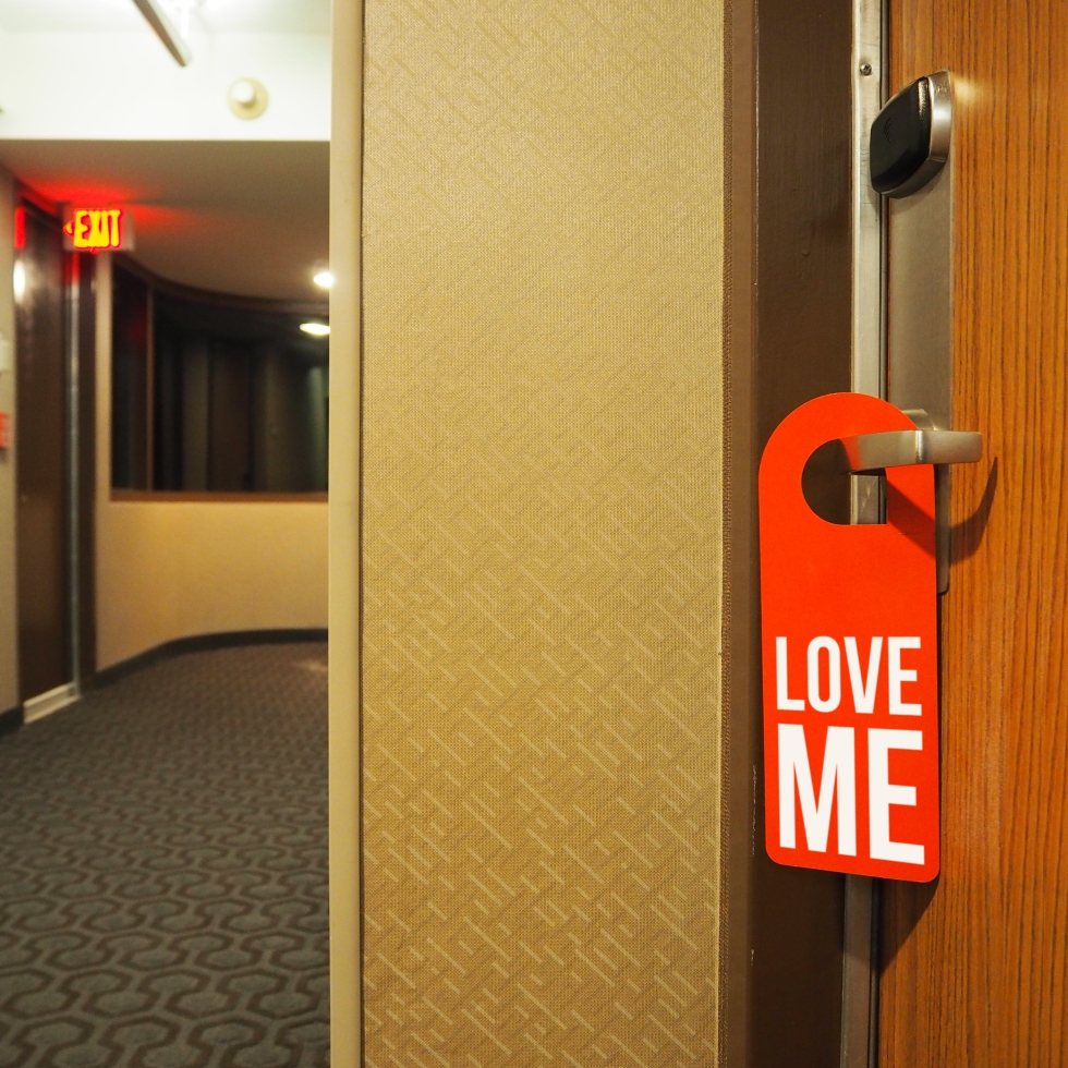 Door hanger « Love me » – Los Angeles – 2016 – Le Sonneur