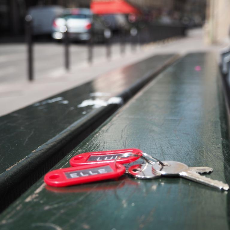 Abandoned Keys « Elle » et « Lui » – Paris – 2017 – Le Sonneur