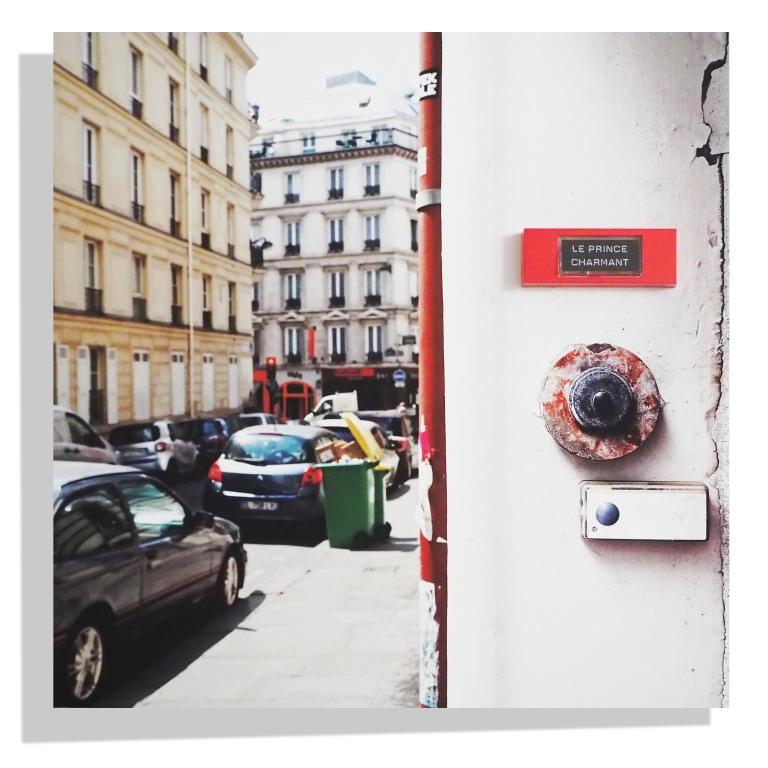 Le Prince Charmant - Bell on original photo print on aluminium 40 x 40 cm - Paris - 2017 - Le Sonneur