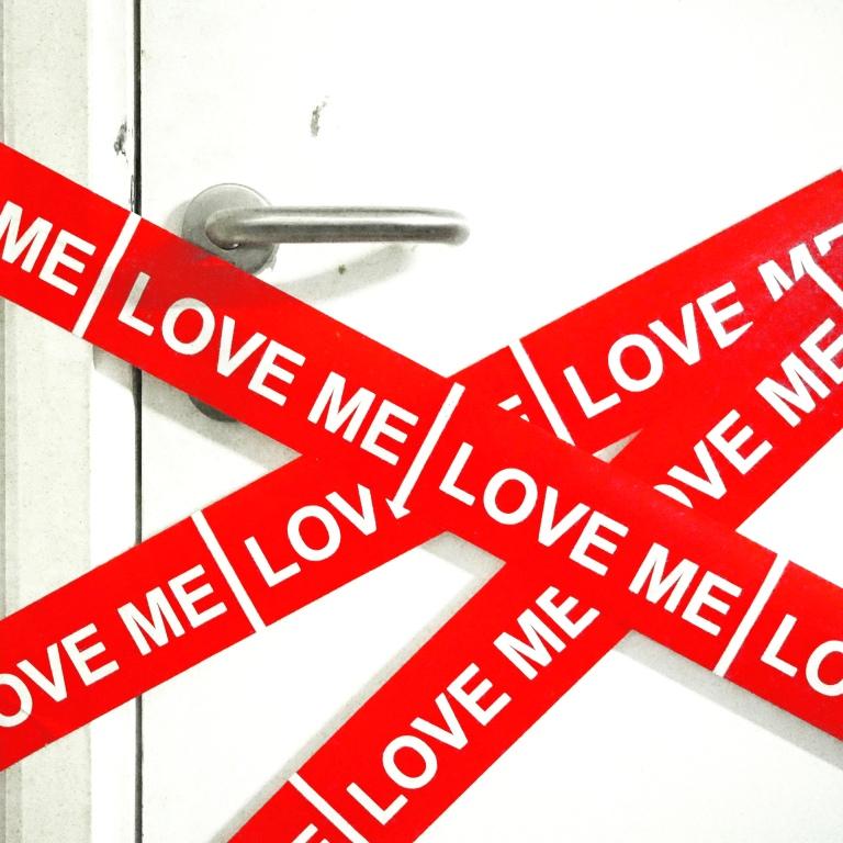 """Installation Love Scene Tape """"Heloïse et Abélard"""" - Beaux Arts de Paris - Cycle L'Amour Court Toujours - Le Sonneur - Paris - 2018"""