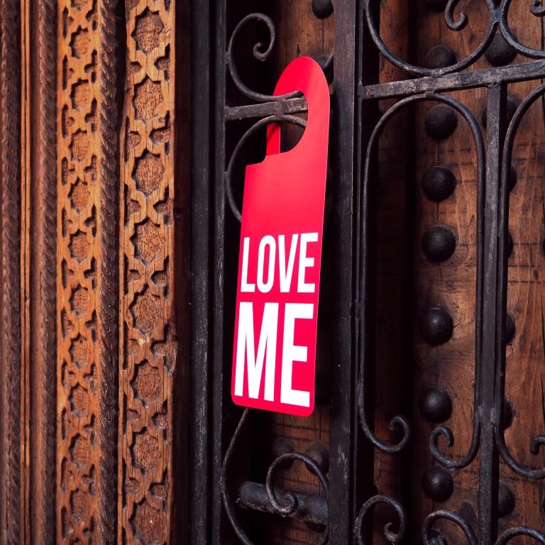 "Door Hanger ""Love Me"" – Marrakech – 2018 – Le Sonneur"