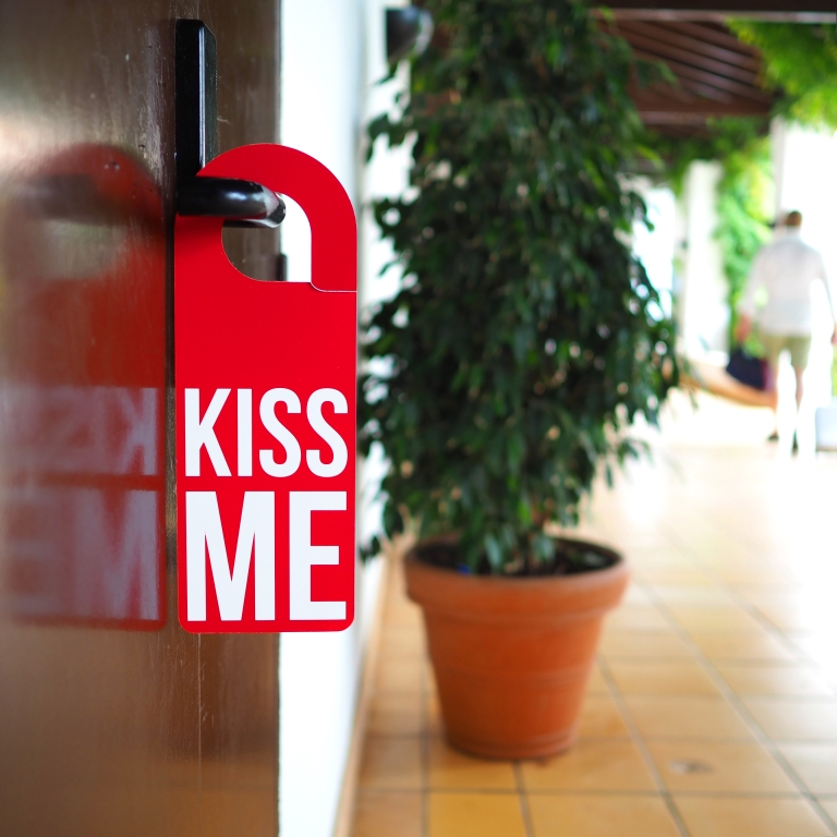 Door Hanger « Kiss Me » – Albufeira – 2018 – Le Sonneur