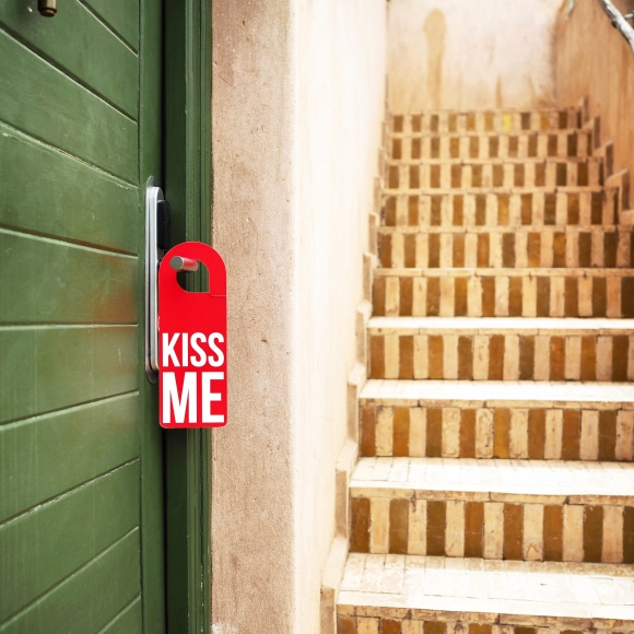 """Kiss Me"" Door Hanger - Marrakesh - Le Sonneur - 2019"