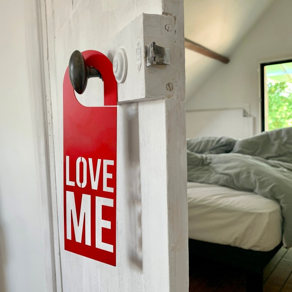 Door Hanger Love Me - Steel – Le Sonneur – Somewhere – 2020